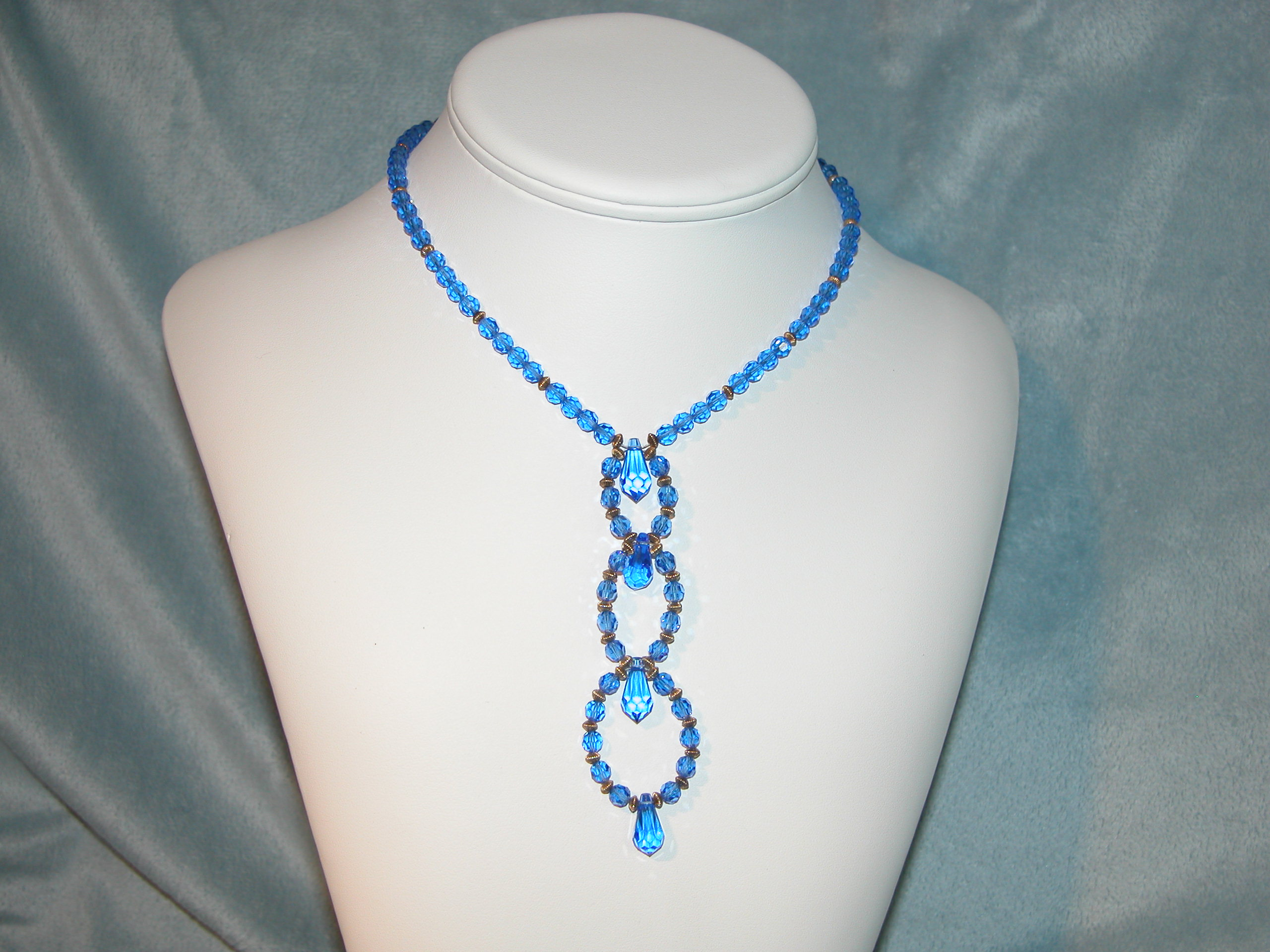Crystal and Glass Elegant Collection - Necklace