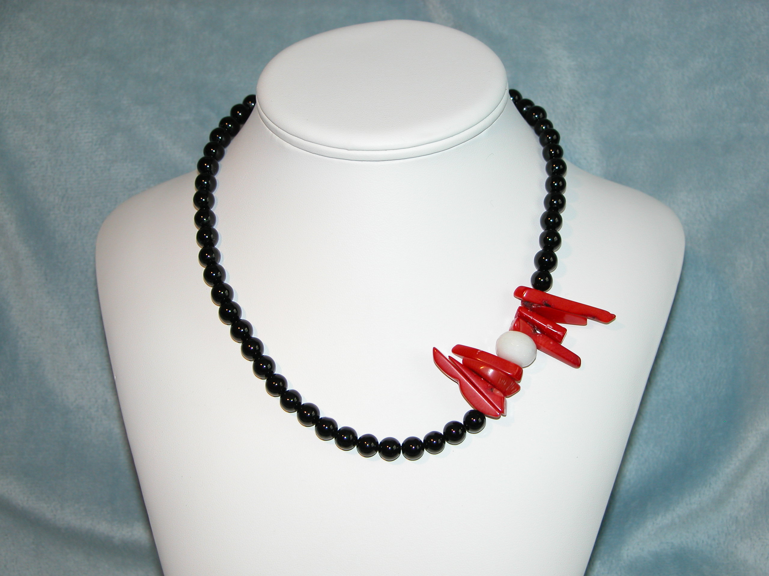 "Black  White Collection - 18"" Necklace"